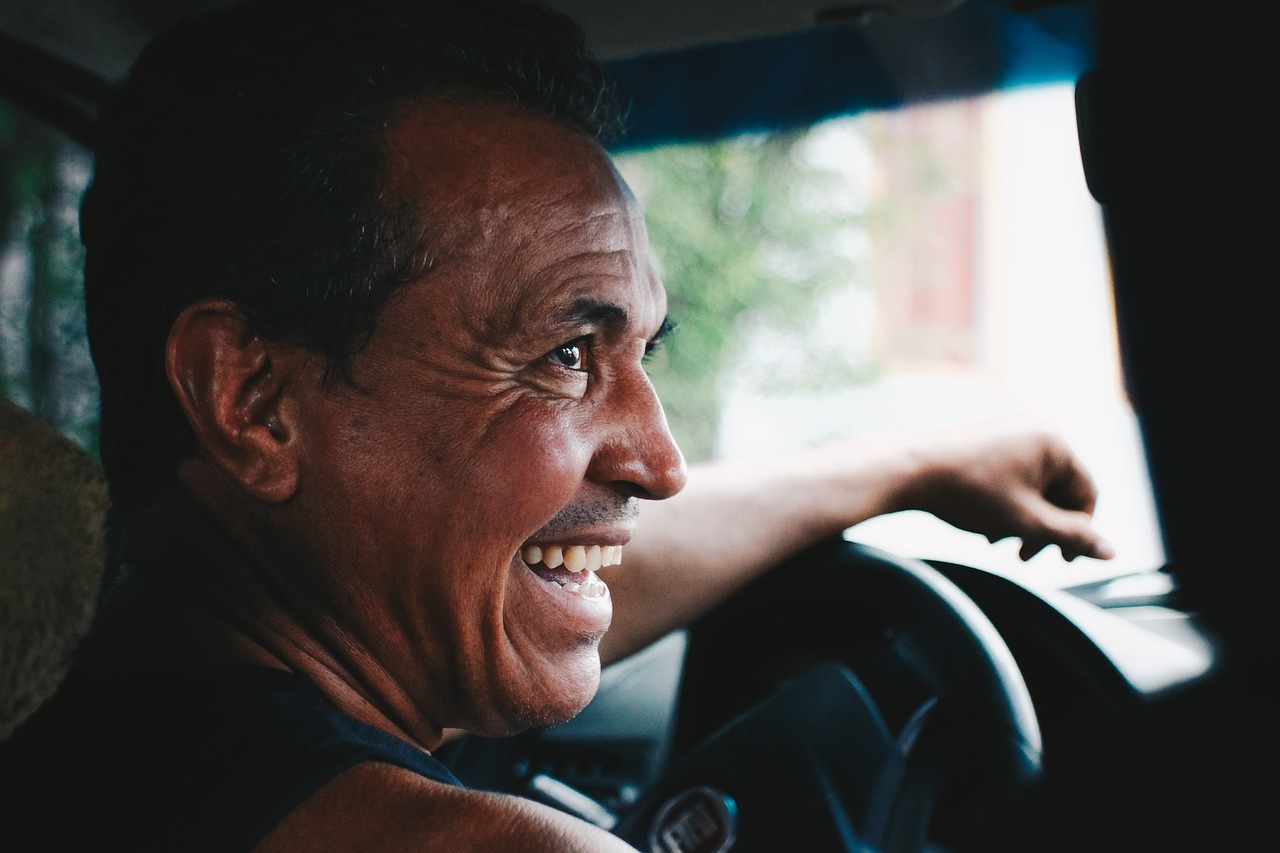 Driver_Smiling_Pixabay